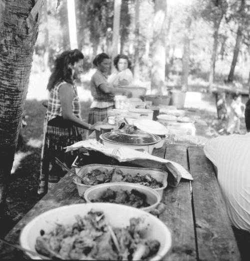 Seminole_Indian_Thanksgiving_Meal_(2)